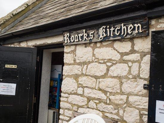 Roark's Kitchen: entrance