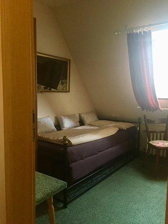 hotel dortmunder hof garni bewertungen fotos preisvergleich w rzburg deutschland. Black Bedroom Furniture Sets. Home Design Ideas