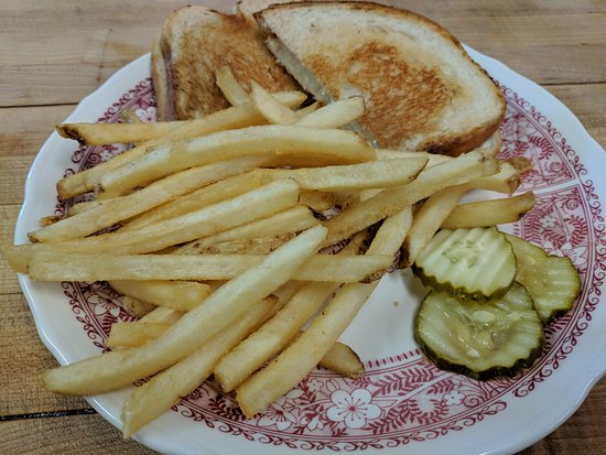 Sherburne, NY: Lewis' Restaurant Kid's grilled cheese