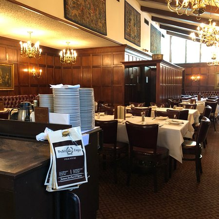 Great Neck, NY: Peter Luger Steak House