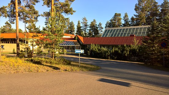 Anttola, Suomi: Päärakennus. Sisäänkäynti.