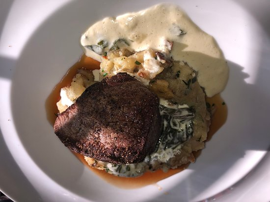 Maize Restaurant: Filet Mignon served to raw in the middle, sent back & was perfect after