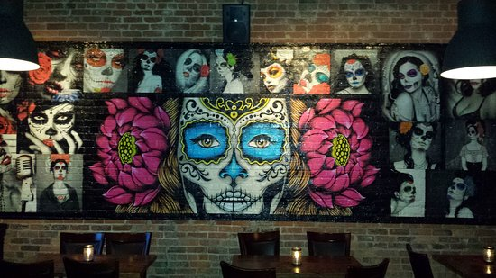 Gonza Tacos y Tequila: Gorgeous mural on the wall inside Gonza Tacos