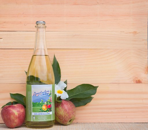 Hendersonville, Karolina Północna: Bearwallow Mountain Hard Cider, The Original (Wallace #1)