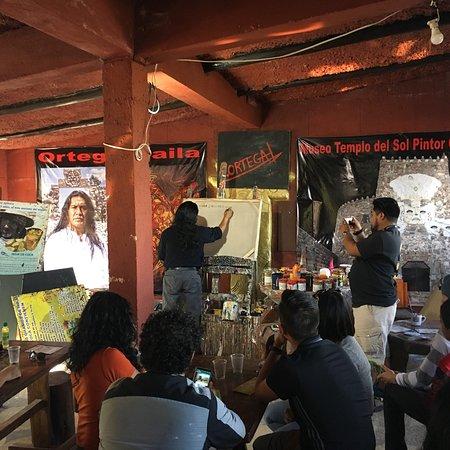 Museo Templo del Sol Pintor Ortega Maila: Ein Gemälde vom berühmten ecuadorianischen Maler und Bildhauer Ortega Maila - eine spirituelle E