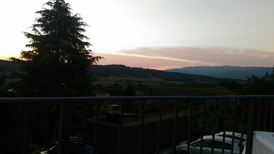 Pieve A Presciano, Italia: P_20180811_202201_large.jpg