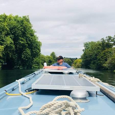 Caversham, UK: Fabulous day on the Thames with the family - Lazy Days 👍