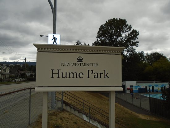 Hume Park: Location Sign Looking North