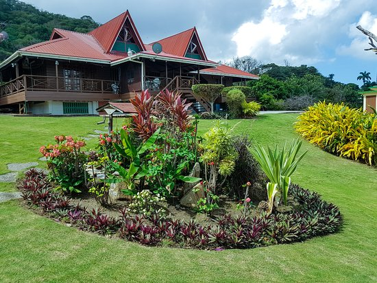 Hosanna Toco Resort: View of the main house