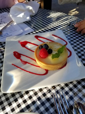 Teahouse in Stanley Park: Lemon Tart - $9.50