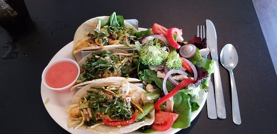 Chef's Hat Cafe: Lemon Pepper Shrimp Tacos with a side salad
