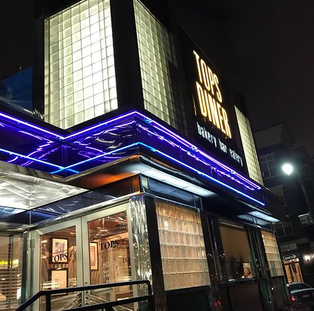 East Newark, Nueva Jersey: Entrance to Tops Diner