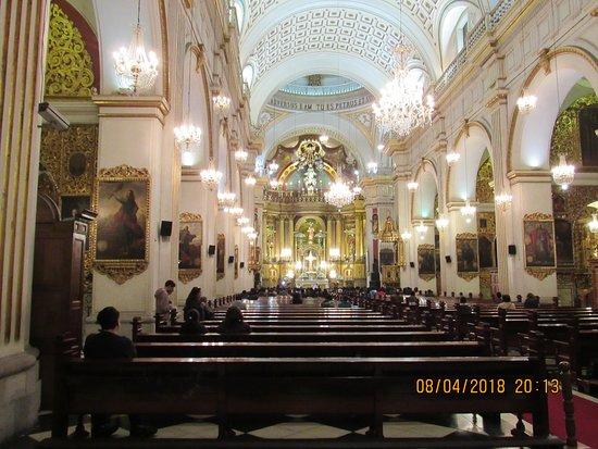 San Pedro Church (Iglesia de San Pedro): Interior de la iglesia, hermoso