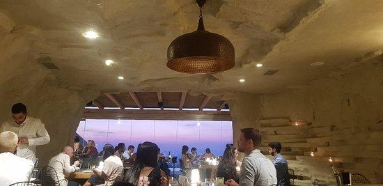 Throubi Restaurant Photo