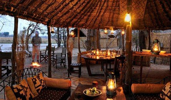 North Luangwa National Park, Zambia: Mwaleshi dining area / sitenje