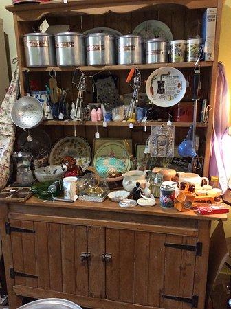 Cootamundra, Australia: Plenty of nostalgic kitchenware