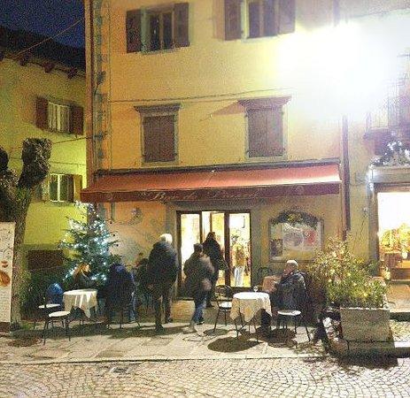 Fiumalbo, Italie : il baretto in inverno