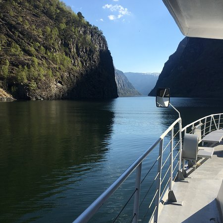 Nærøyfjorden Cruise