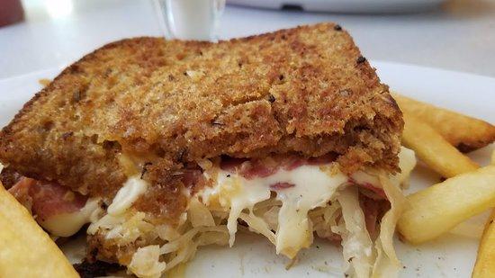 Garfield, Арканзас: Reuben Sandwich