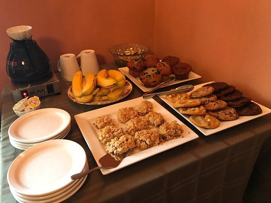 Carbonear, كندا: Beautiful homemade bakery items for breakfast