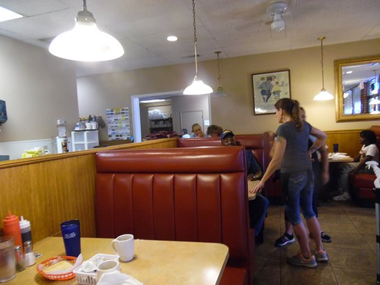 Gregs Famous Bbq Statesville Nc Restaurant Reviews Photos Phone Number Tripadvisor