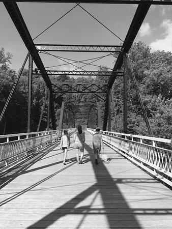 Charlestown State Park: Rose Island bridge