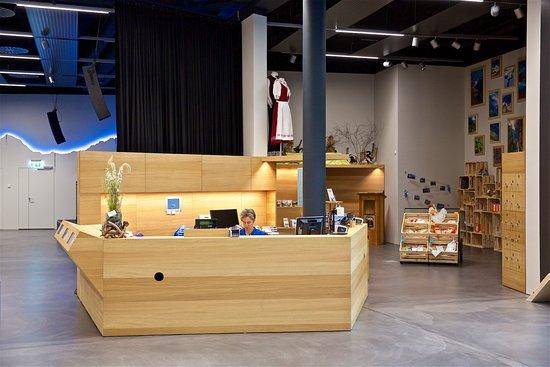 Word Nature Forum - UNESCO World Heritage Swiss Alps Jungfrau-Aletsch: Empfang mit Shop
