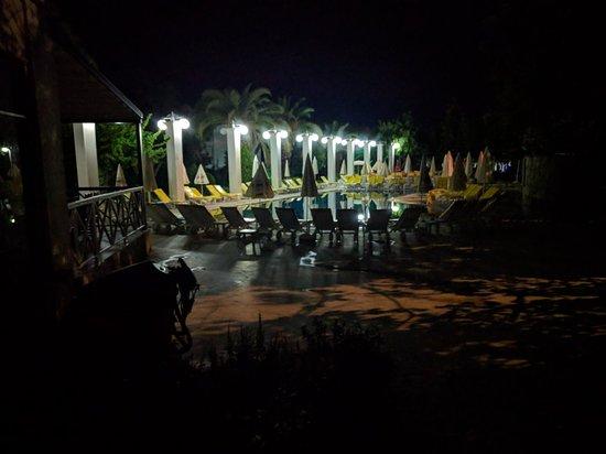 Aqua Plaza: IMG_20180807_220724_large.jpg