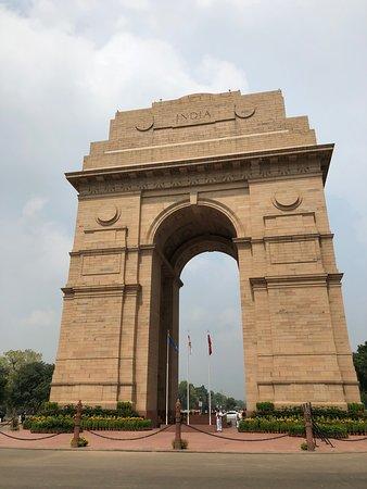 Delhi Agra Day Trip: India Gate