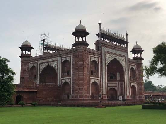 Delhi Agra Day Trip: Taj Mahal