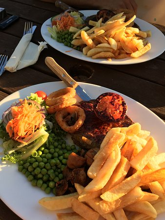 Upware, UK: Steak meal