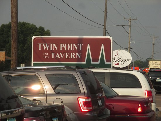 Twin Points Tavern: Sign onthe highway