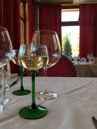 Sarre-Union, França: Table de la salle de resto