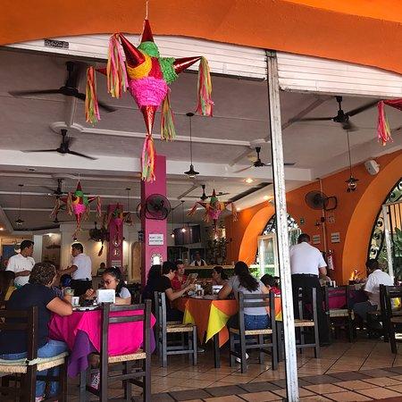 Victor's Place Cafe Tacuba: photo1.jpg