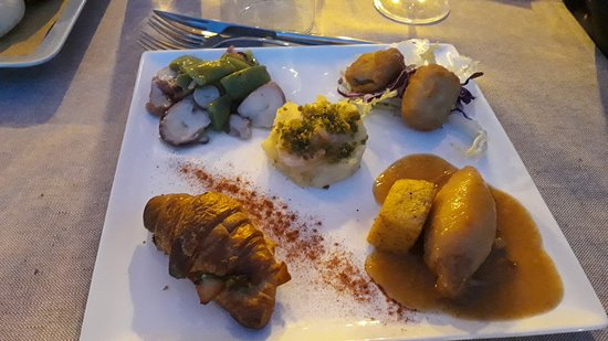Sale Marasino, Italien: antipasti di pesce