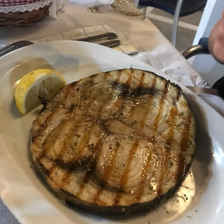 Pesce spada e sarago grigliato (troppo cotto)