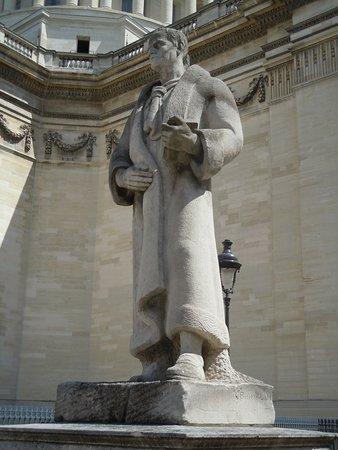 Statue de Jean Jacques Rousseau