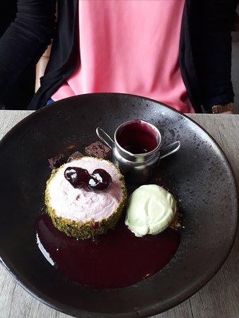 Gunthorpe, UK: Cherry Cheesecake