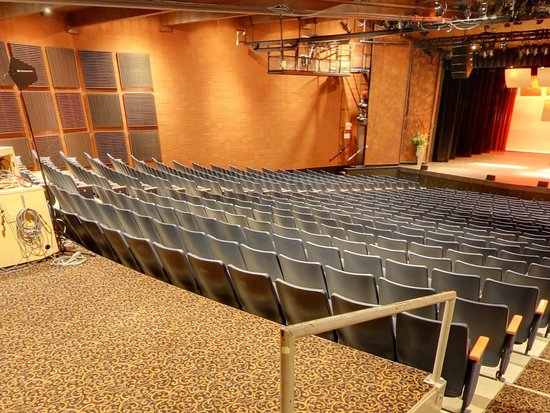 Kelowna Community Theater
