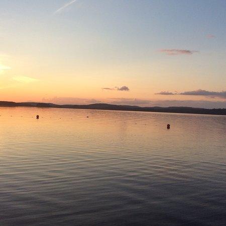Saint Michel des Saints, Canada: Adorer ce magnifique lac et la promenade en libellule et la marche du mistral dans l eau.