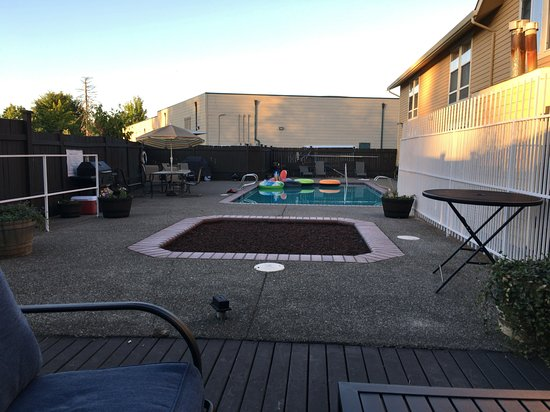 Buckley, WA: Pool