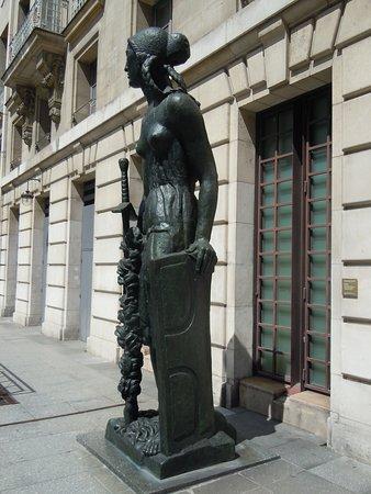 Statue La Victoire