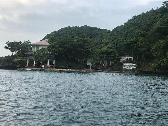 Hundred Islands National Park: one of the 127 islands