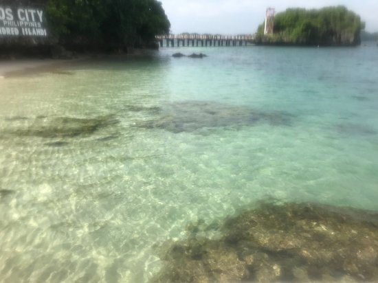 Ilocos Region, Philippinen: water is crystal clear