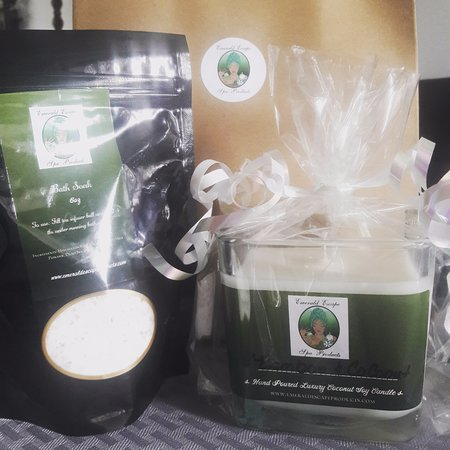 แกรี, อินเดียน่า: Coconut milk bath soak and coconut soy candle