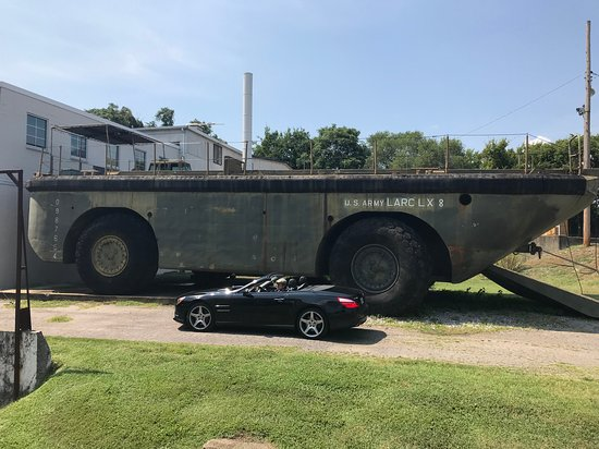 US Army LARC LX 8 - Picture of Lane Motor Museum, Nashville