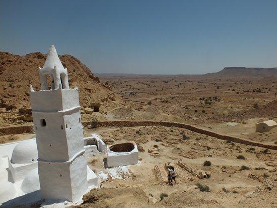 Chenini, تونس: blanc sur ocre