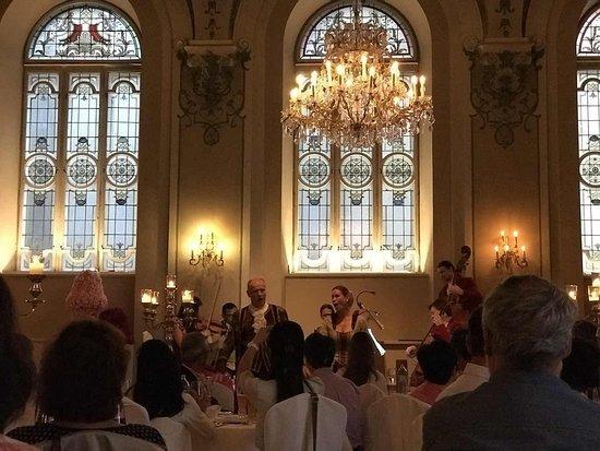 Foto de Cena y concierto de Mozart en Salzburgo