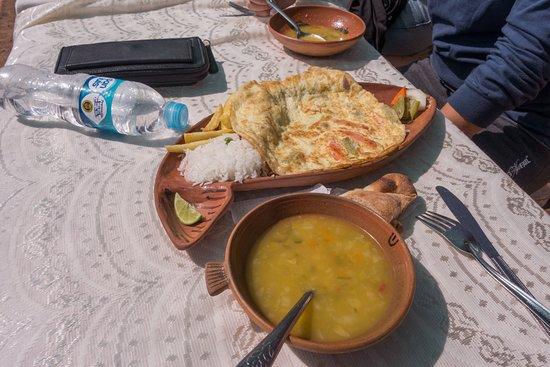 Taquile Island, Peru: Soup and veggie omelet.
