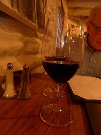 Indigo Crow Cafe: Good wine